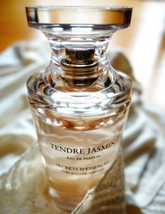 Secrets d'Essences - Tendre Jasmin by Yves Rocher | Gaukeleya's Perfume Pictures - Parfumo