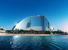 Beatiful architecture and incredible surroundings in Dubai