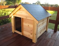 Western Red Cedar Dog House – Western red cedar makes an excellent choice for this extra large dog house because cedar is naturally resistant to insects & decay.