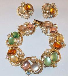FLORENZA White Enamel Leaves Colorful Rhinestone Flower Necklace Bracelet Set