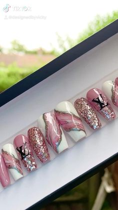 Bling Acrylic Nails, Marble Acrylic Nails, Best Acrylic Nails, Pink Bling Nails, Edgy Nails, Glam Nails, Stylish Nails, Black Marble Nails, Pink Marble