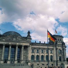 Raise your flag and be proud of who you are !!  #berlin #flag #patriot #skyline #view #bundestag #germany