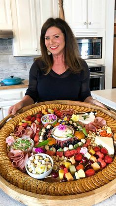 An Epic Spring Charcuterie Board filled with cured meats, cheese, fruit kebabs, and spring blossoms! Arrange on an epic board, with favorite pastel colors! Fingerfood Party, Appetizers For Party, Appetizer Recipes, Meat Appetizers, Charcuterie And Cheese Board, Charcuterie Platter, Meze Platter, Cheese Boards, Party Food Platters