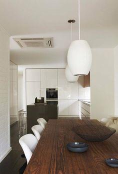 Sleek & Minimal Kitchen Cabinets: No Hardware Included