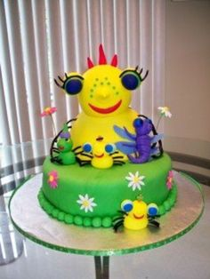 Miss Sunny Patch spider friends cake