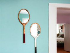 Vintage tennis rackets look really great, but weren't very practical to keep around. We love this simple DIY project that will have you upcycling your surplus of vintage tennis rackets into super cute mirrors in no time.