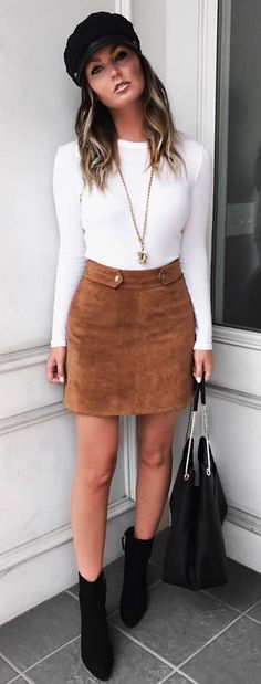 women's white long-sleeved shirt, brown suede miniskirt and blac. - women's white long-sleeved shirt, brown suede miniskirt and black leather boots - Black Leather Skirt Outfits, White Leather Skirt, White Skirt Outfits, Winter Skirt Outfit, Leather Boots, Suede Skirt, Outfit Summer, Skirts With Boots, Brown Skirts
