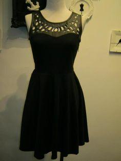 I like the bottom of this dress.