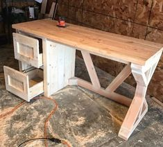 Farmhouse Desk #woodworkingideas #WoodworkingPlans