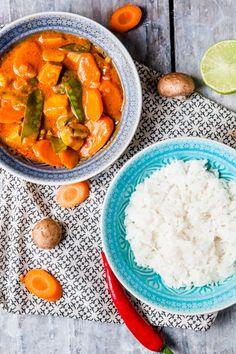 Rotes Curry mit Moehren, Pilzen und Zuckerschoten