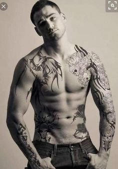 Guy in tats hot solo action