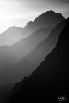 """ものくろーむ 500px / Photo """"Gray layers"""" by Ali Shokri"""