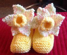 Daffodil booties for my granddaughter :) Daffodils, Booty, Knitting, Crochet, Swag, Tricot, Cast On Knitting, Chrochet, Stricken