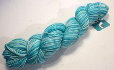 New to UndercoverOtterYarn on Etsy: Fay Wray: Aqua in gradients / Baby Alpaca Hand Dyed Yarn. 1 skein 100 grams 3.5 oz. (22.50 EUR)