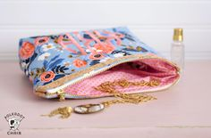 How to sew a cosmetic zippered pouch using only two fat quarters of fabric. Makes a great gift!