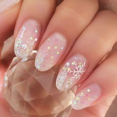 Festive Nail Art Designs To Look Fab This Season Festive Nail Art Designs To Look Fab This Season,Nail Art nail designs nails ideas ideas for winter nail art nail designs Nail Art Noel, Snowflake Nail Art, Nail Art Diy, Easy Snowflake, Diy Nails, Cute Nail Art, Cute Christmas Nails, Christmas Nail Art Designs, Winter Nail Designs