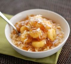 Caramelized Banana and Fig Oatmeal - Pinch of Yum Figs Breakfast, Good Morning Breakfast, Breakfast Time, Brunch Recipes, Baby Food Recipes, Breakfast Recipes, Breakfast Ideas, Toddler Recipes, Porridge Recipes