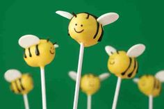 Happy February and Happy National Cake Pops Day, too! Or is it Cake Pop Day? You know, so I could have POP centered in the card above … The S would have Bee Cakes, Cupcake Cakes, Bee Cake Pops, Bumble Bee Cake, Bumble Bees, Cake Pops How To Make, Spring Cake, Bakerella, Cute Bee