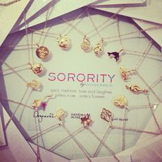 have a sorority girl on your xmas list? these are the perfect gifts that she'll love!