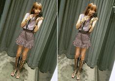 Today's Hot Pick :ミックスカラーチェック柄ガーリッシュワンピース http://fashionstylep.com/P0000VCF/elevenam/out ミックスカラーのチェック柄が目を引くフェミニンなワンピースをご紹介します。 一見同じ柄のブラウスにスカートをINした着こなしに見える独特なデザイン* ウエストにたっぷりよせたシャーリングがメリハリのあるボディラインをメイクしてくれます。 合わせるアクセサリーやシューズでさらに甘くコーデできます♪ 身長によって着丈感が異なりますので下記の詳細サイズを参考にしてください。 ◆色:レッド