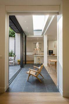 Una elegante y contemporánea casa en Londres por Jones Associates Architects - Hasta su lavandería está de lujo!!!