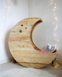 What infant or toddler wouldn't love to sleep in this fairytale moon crib or bed? Designed by Creme Anglaise, the moon crib retails at around - a bit pricey for us South Africans, but you could make your own moon crib or bed. Moon Crib, Eco Deco, Wooden Spools, Wire Spool, Home And Deco, Kids Bedroom, Baby Room, Nursery Room, Child's Room