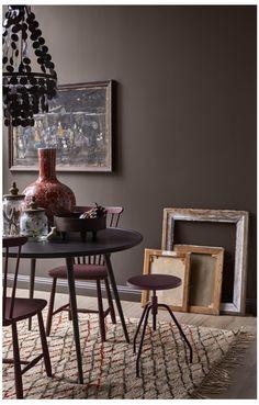 Här hittar du alla bilder ur kollektionen Caparol by Sköna hem Dining Room, Dining Table, Living Room Colors, Wall Colors, Colours, Home Bedroom, My Dream Home, Kitchen Decor, Design Inspiration