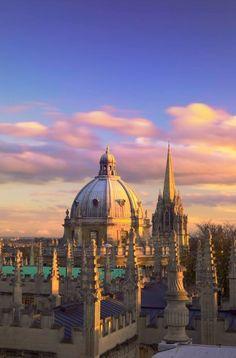 Tour England from London: The Cotswolds, Bath and Oxford 2 Day Tour Oxford England, London England, England Uk, Oxford City, Glasgow, Edinburgh, Oxford United Kingdom, 10 Interesting Facts, Dream City