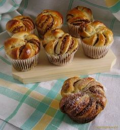 Pastry Recipes, Baking Recipes, Cookie Recipes, Dessert Recipes, Czech Recipes, Hungarian Recipes, Sweet Pastries, Recipes From Heaven, Croissants