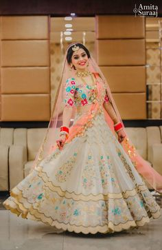 Latest Collection of Lehenga Choli Designs in the gallery. Lehenga Designs from India's Top Online Shopping Sites. Indian Bridal Outfits, Indian Bridal Lehenga, Indian Bridal Fashion, Indian Designer Outfits, Indian Bridal Wear, Indian Gowns, K Fashion, India Fashion, Tokyo Fashion