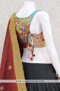 Saree Blouse Neck Designs, Choli Designs, Fancy Blouse Designs, Bridal Blouse Designs, Tribal Fusion, Stylish Blouse Design, Designer Blouse Patterns, Choli Dress, Green Lehenga