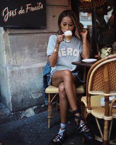 7,234 vind-ik-leuks, 72 reacties - JULIE SARIÑANA (@sincerelyjules) op Instagram: 'Mid-day cappuccino. ☕️❤️ @shop_sincerelyjules'