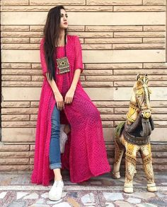 This post features New trendy ways to wear kurti with jeans and explore how to wear slit, short, long kurti and peplum with jeans. Dress Indian Style, Indian Dresses, Indian Outfits, Indian Attire, Indian Wear, Indian Designer Outfits, Designer Dresses, Indian Designers, Stylish Dresses