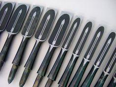 JAPANESE CHISELS -- HEINZTOOLS.COM Japanese Chisels, Japanese Tools, Japanese Woodworking, Woodworking Tools, Antique Tools, Old Tools, Engraved Knife, Japan Crafts, Metal Fab