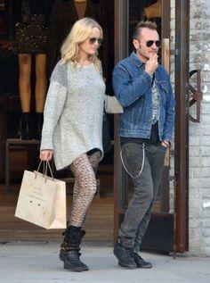 Pregnant Malin Akerman & Roberto Go Shopping