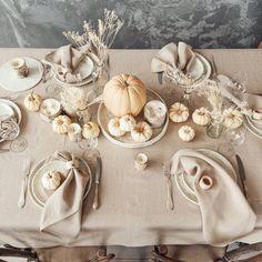 Thanksgiving Plates, Thanksgiving Table Settings, Thanksgiving Decorations, Thanksgiving Ideas, Dinner Table Settings, Holiday Tablescape, Thanksgiving Tablescapes, Christmas Decorations, Holiday Decor