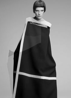 Artistic Fashion - minimalist dress with graphic lines & sleek silhouette // Costume National