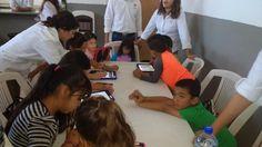 <p>Chihuahua, Chih.- Niños disfrutan de juegos tecnológicos en el centro comunitario de Vistas Cerro Grande esto gracias a una colaboración