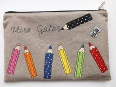 Cute idea to write the name.  Also love the fabrics used for the pencils. - - - SewforSoul: Linen Pencil Case
