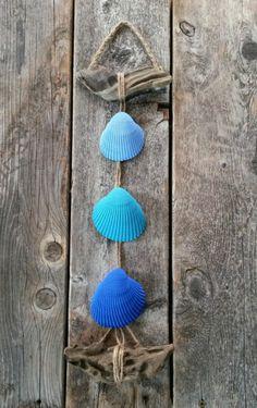 hängende-Muscheln-Deko-kobaltblau-maritim