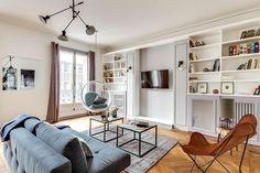 silla-bubble-salon-sofa-azul-apartamento-alquiler-turistico-paris-sweet-inn