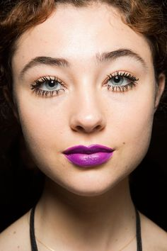 nanette lepore fushcia lipstick Best Makeup Trends, Looks NYFW Spring, Fall, Winter 2015, 2016: Bold Lips, Eyes, Shadows, Wild, Sparse Eyebrows
