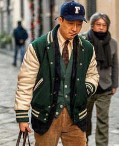 Preppy Mens Fashion, Best Mens Fashion, Look Fashion, Preppy Style Men, Adidas Vintage, Letterman Jacket Outfit, Mens Varsity Jacket, American Casual, Ivy League Style