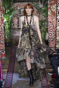 Roberto Cavalli Spring 2017 Ready-to-Wear Fashion Show Collection