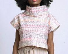 Unique Fashion Pieces von Metamorphoza auf Etsy Unique Fashion, Kaftan, Unique Clothing, Unique Outfits, Weekender, Crochet Top, Etsy, Shorts, Tops