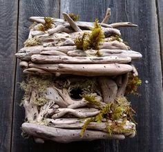 décoration de jardin et nichoir à oiseaux en bois flotté