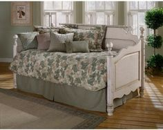 Wilshire Panel Daybed - pop up trundle for back screened porch