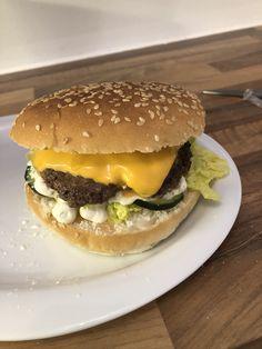 schnelle, einfache und köstliche Burger Hot, Hamburger, Sweet, Ethnic Recipes, Cooking, Candy, Burgers