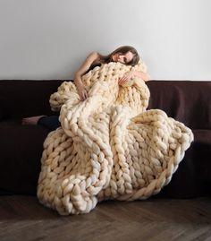 Große Decke. Grande Punto. Chunky knit Decke. Gemütliche Decke. Decke aus großen Garn. Merino-Wolle.