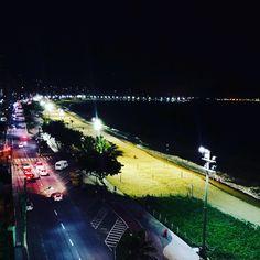 Sem as nuvens! . . . . . #travelblogger #travellife #sunday #nightsky #sundaynight #praia #praiadacosta #beach #meleveparaviajar #blog #photography #travel http://tipsrazzi.com/ipost/1524934228080129646/?code=BUpp5najPZu
